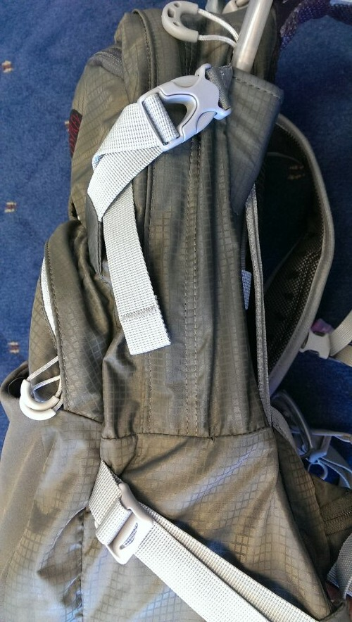 External compression straps on the Osprey Manta 20